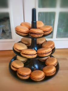 Chocolate and caramel flavour macaroons